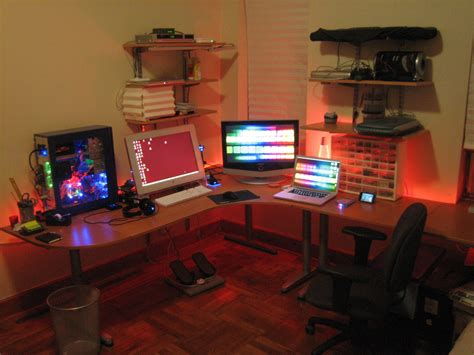 how to decorate a desk make and decorate your own simple computer desk atzine com