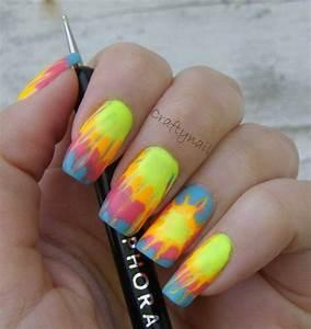 21 cool trendy neon nail designs