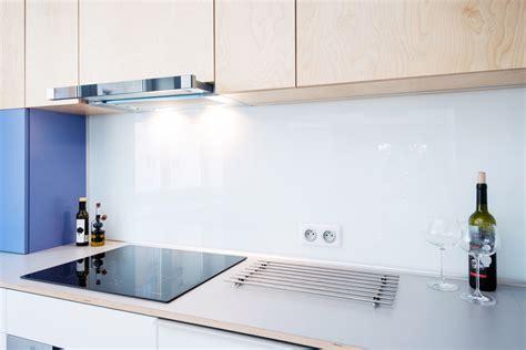 revetement pour meuble de cuisine crédence de cuisine en verre sur mesure livraison dans