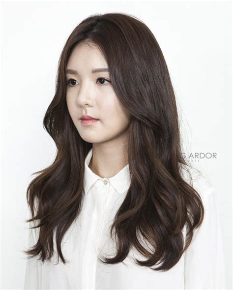 moving perm korean wavy hair long hair styles