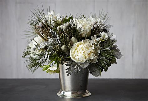 Love White Flower Arrangements? This Beauty in 4 Steps