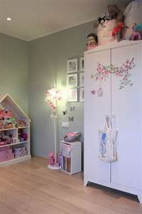 Nice and gentle bedroom for a six year old girl kidsomania for 4 year old girl bedroom ideas