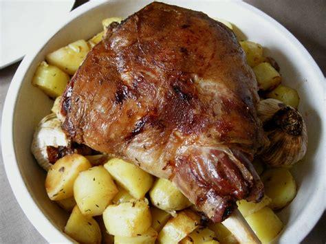 cuisiner le gigot d agneau gigot d 39 agneau au four livres et autres merveilles