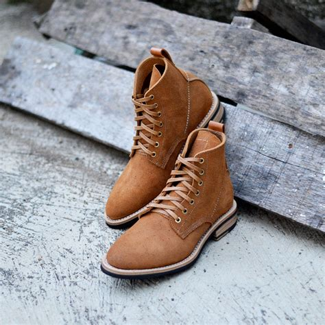 Manfred Rough Out Brown Txture Boots