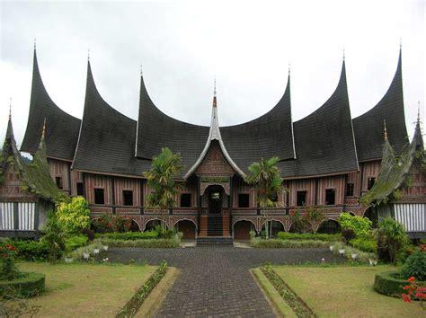 rumah adat indonesia beserta asal penjelasan gambar