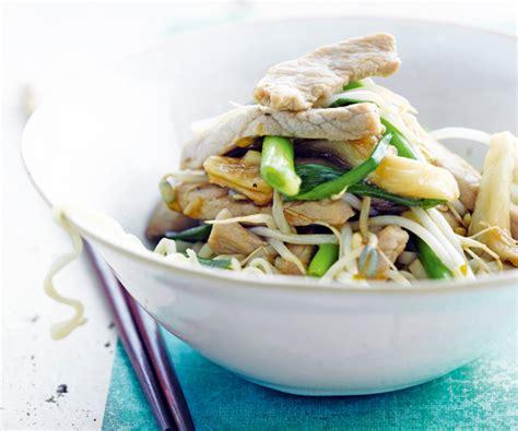cuisiner les germes de soja une recette saine et délicieuse de wok au porc et aux