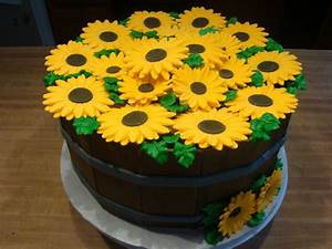 Michelle's Kitchen Creations: September Cake Orders