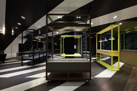 Coordination Asia Designs Dynamic Store For Tcl In