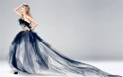 Taylor Swift Dress Background Wallpaper 66441 2560x1600px