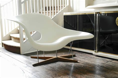 charles eames chaise vitra edition la chaise by charles and eames at 1stdibs