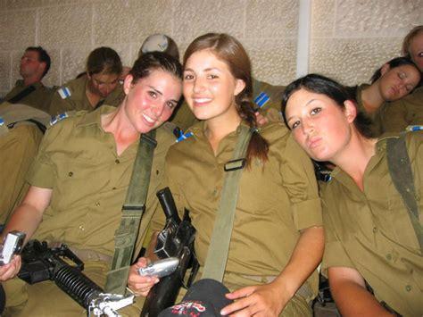 pictures  women  kids  guns