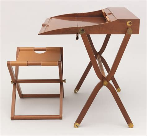 bureau hermes desk graphic design theory