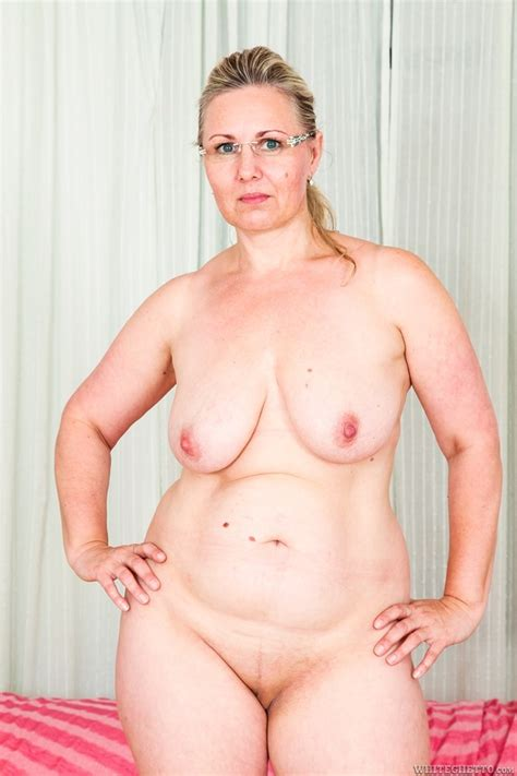 Chubby Granny In Glasses Gets Her Shaved Cu Xxx Dessert