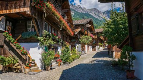 Things to do in Interlaken: visit Brunngasse, the most ...