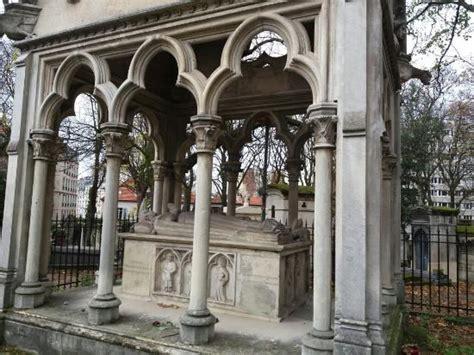 cimetiere pere la chaise cementerio de pere lachaise cimetiere du pere lachaise picture of pere lachaise cemetery