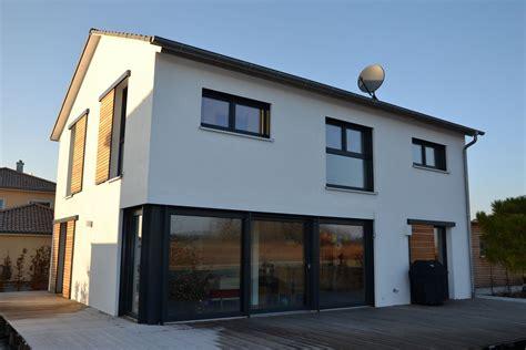 Moderne Häuser Mit Eckfenster by Einfamilienhaus Modern Holzhaus Fensterl 228 Den Zum Schieben