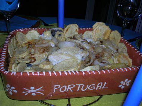 cuisine portugaise morue morue aux pommes de terre et oignons on s 39 invite chez céline