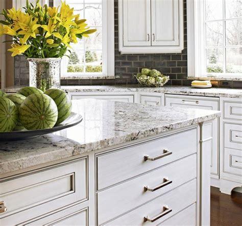 Arbeitsplatte Aus Naturstein Für Die Küche  32 Ideen
