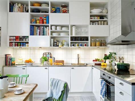 decoracion de una cocina sencilla  amena