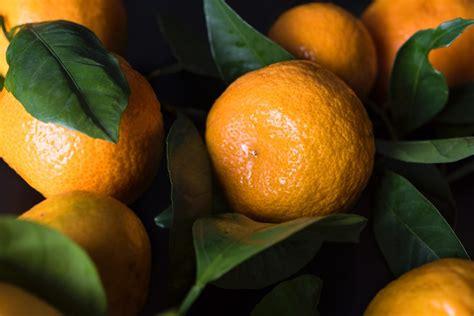 Ziemassvētku vēstneši - mandarīni | VIASMS.LV