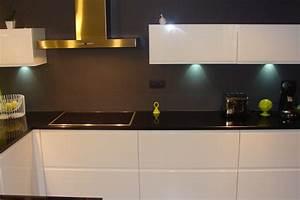 Cuisine Blanche Et Noire : cuisine indogate cuisine gris vert blanc cuisine noire ~ Nature-et-papiers.com Idées de Décoration