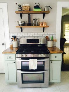 kitchen floor tile images 1000 ideas about bungalow kitchen on 4824