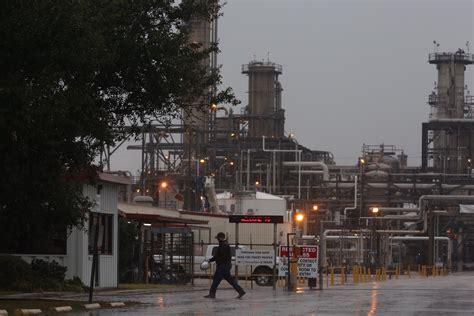dead  injured  pasadena chemical plant explosion