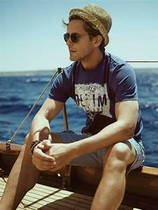 Picture Of cool and relaxed beach men outfits 10