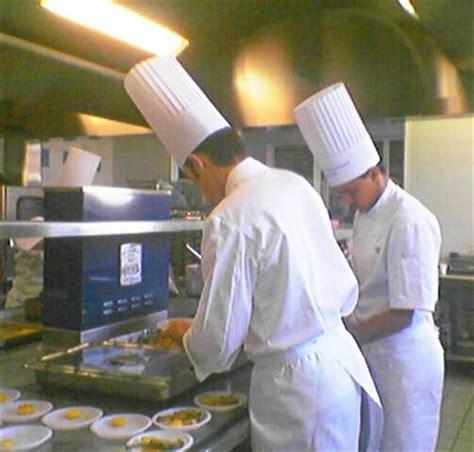 invention du premier robot cuisinier