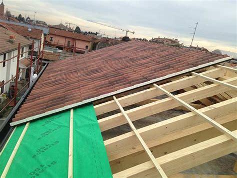 realizzazione tettoia in legno costruzione tetto busto arsizio gallarate progettazione