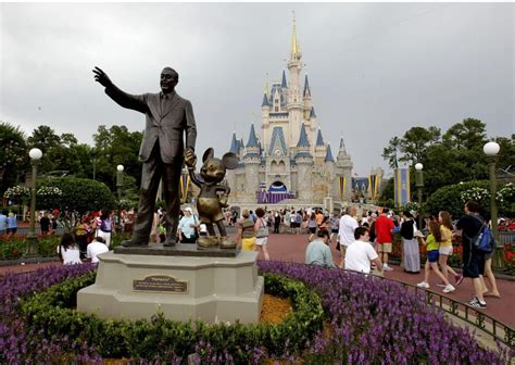 Lyft 'minnie Van' Drivers At Disney World Can Become