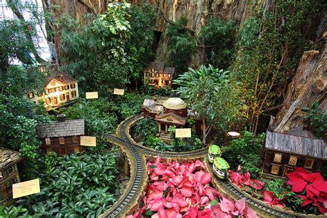 dc botanical gardens display us botanic garden 011345 photograph