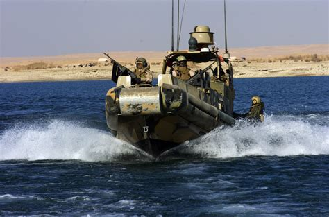 Us Navy Boats by File Us Navy 071228 N 4089s 219 Boats From Riverine