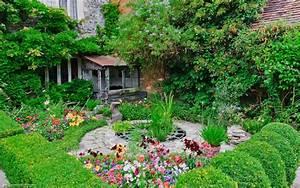 Photo of Priest's House Garden, Wimborne Minster
