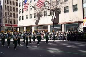 File:Ashwaubenon High School Marching Band, 2011 NYC St ...
