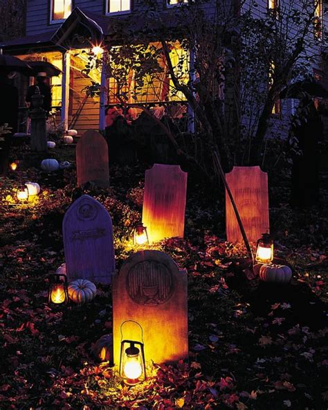 spooky outdoor decorations for the