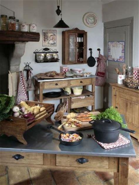 ustensiles de cuisine anciens déco bistrot à la cuisine trucs et deco