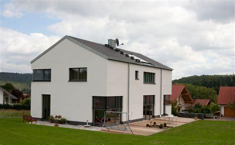 Neubau Häuser Kaufen by Formal Reduziertes Wohnhaus Archi Viva Architekten