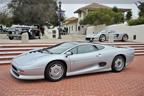 1993 Jaguar XJ220 - conceptcarz.com