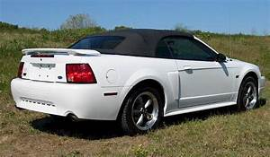 Oxford White 2003 Ford Mustang Gt Convertible