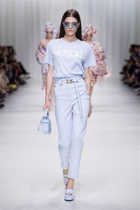 VERSACE SPRING SUMMER 2018 WOMENu2019S COLLECTION | The Skinny ...