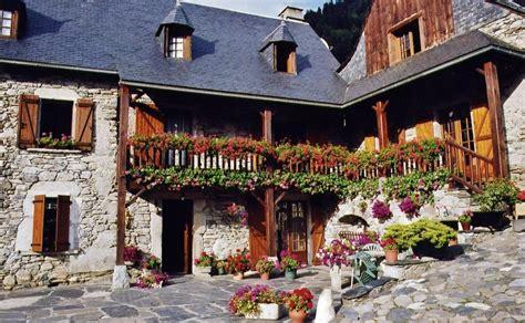 chambres d hotes hautes pyrenees chambre d 39 hôtes la couette de bieou à caran hautes