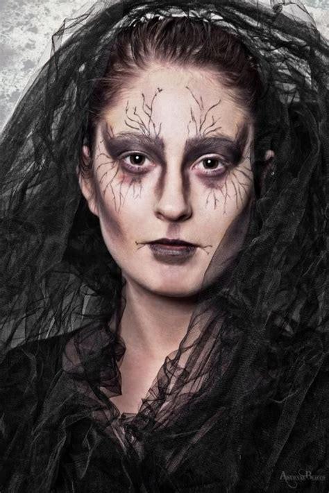 hexe schminken erwachsene hexe schminktipps augen verwelkt effekt hexe und