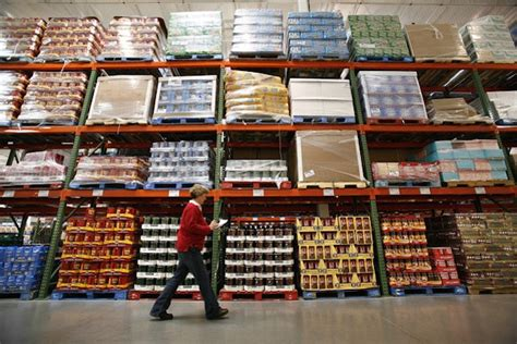 difference  wholesalers retailers  distributors