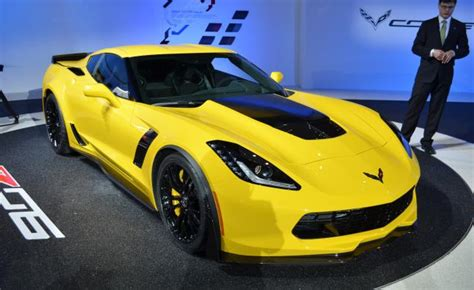 Sports Cars 2015 by 2015 Chevrolet Corvette Z06 Is A Race Car For The
