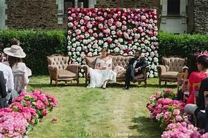 Mur De Fleurs : un mur de fleurs en fond de c r monie j 39 adore mariage pinterest ~ Farleysfitness.com Idées de Décoration