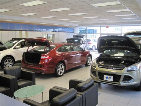 Charles Gabus Ford : Des Moines, IA 50310 Car Dealership