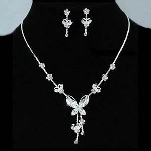 epingle par alizzia bijoux sur parures de bijoux With robe fourreau combiné avec swarovski pendentif papillon