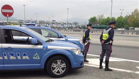 polizia stradale napoli ufficio verbali la polstrada a caccia dei furbetti casello spedite