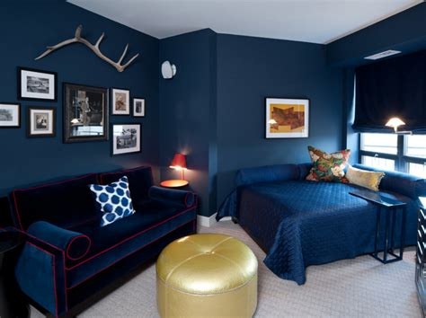 navy  gold interiors  prove   combo